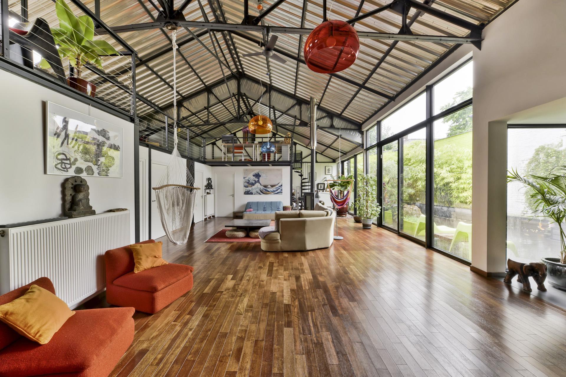 indoor02